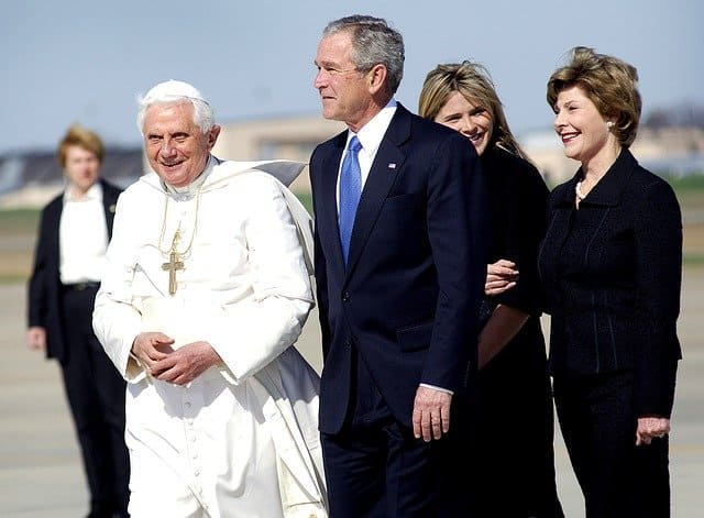 Джордж Буш и Папа Римский Бенедикт XVI